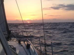 2014-05-22 20h54 Le Pico dans le soleil à 65 M Açores (3)