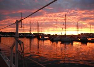 2014-12-11 7h22 soleil levant  marina de Villasimius Sardaigne
