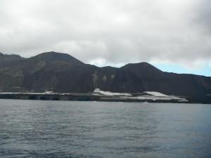 2014-02-01 11h27 Quetzal Patrick nous double au moteur au sud de La Palma