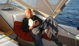 2014-04-16 19h28  Eric lit entre Lanzarote et Madère (2)