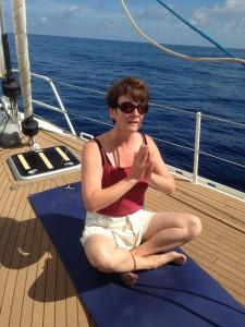 2014-04-17 11h17 Séance de Yoga à bord en traversée