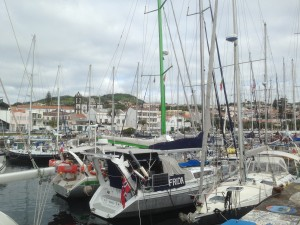 2014-06-03 8h 42 port d'Horta Faial Açores