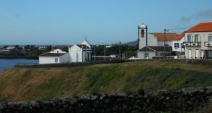 2014-06-14 10h26 village cote sud balade auto ile de Terceira Açores
