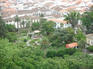 2014-06-15 16h02 vue du jardin Duque Angra Terceira Açores