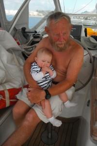 2014-10-27 12h42 Domitille et son grand père à Majorque Baléares (1)