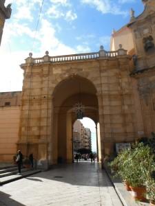 +2014-12-20 11h21 porte fortifiée de Marsala Sicile Italie