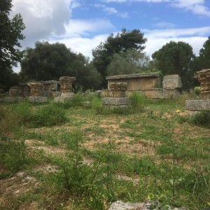 2016-04-26 13h53 Sanctuaire d'Olympe
