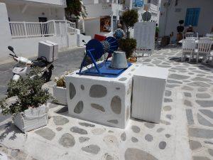 2016-06-02 14h17 puits de Mykonos Cyclades