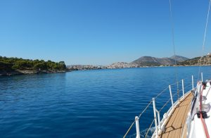 2016-10-01-12h25-arrivee-baie-ermioni-grece